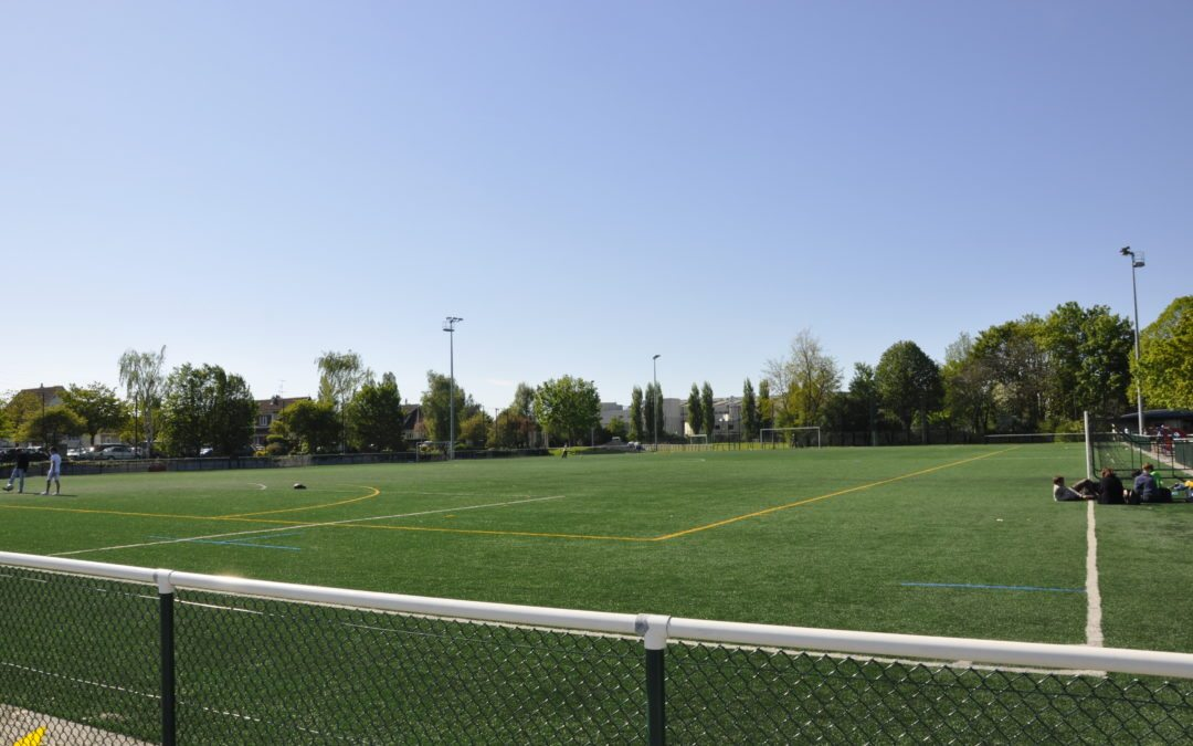 Les dangers pour la santé des terrains de sport synthétiques